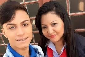ایتابرلی لوزانو و مادرش