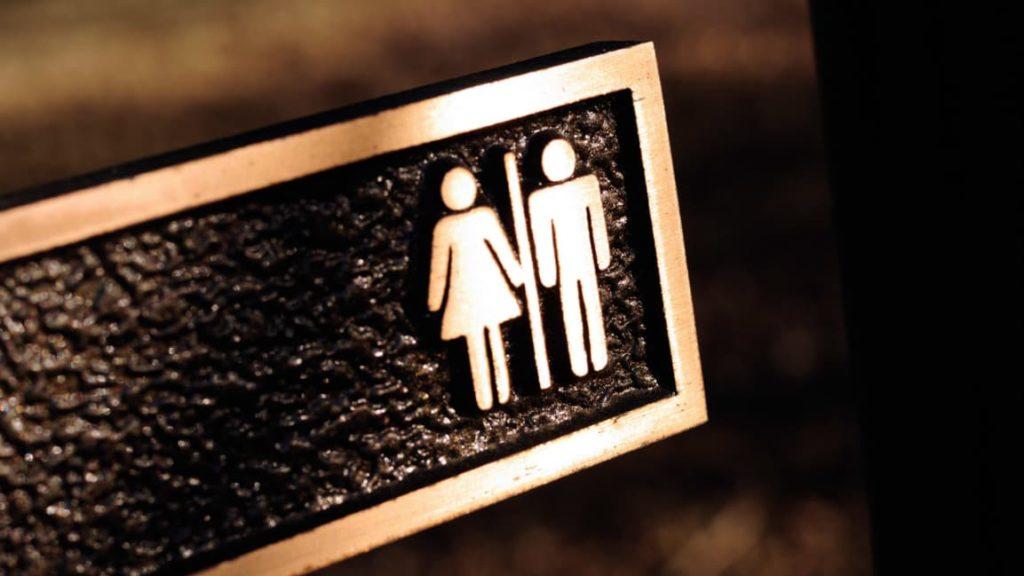 آیا دوستتان بهتازگی به شما گفته است که تراجنسیتی است؟