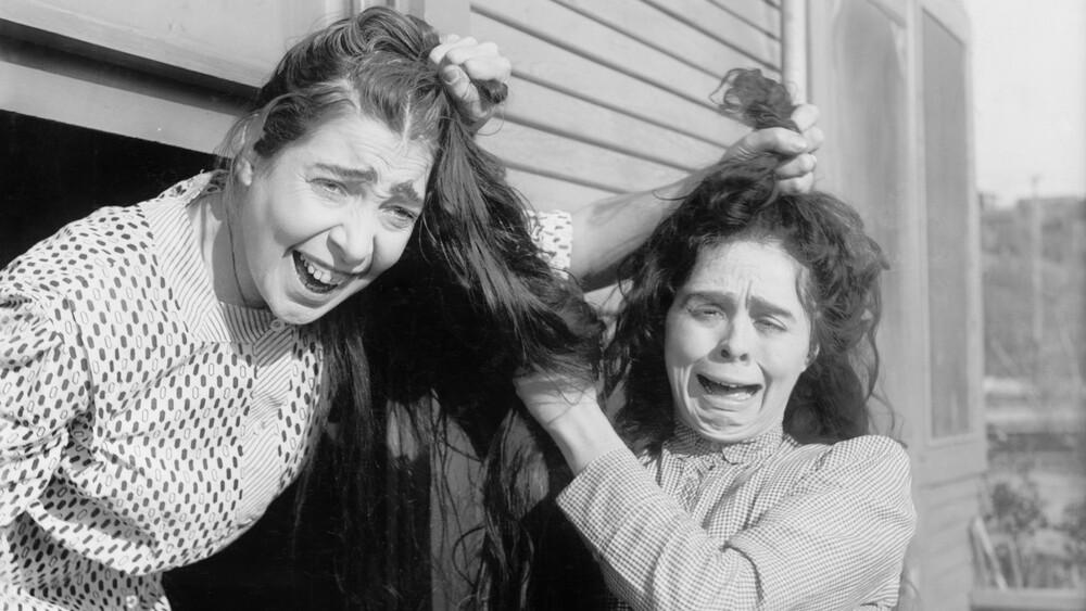 افسانهی نفرت زنان از یکدیگر