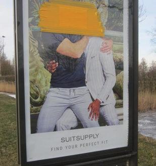 حمله به تصویر تبلیغاتی شرکت Suitsupply در هلند